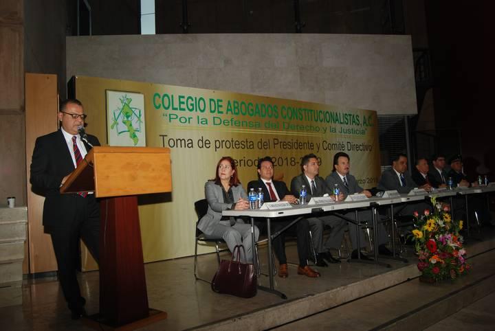 HANS ZAMORANO,NUEVO PRESIDENTE DEL COLEGIO DE ABOGADOS CONSTITUCIONALISTAS