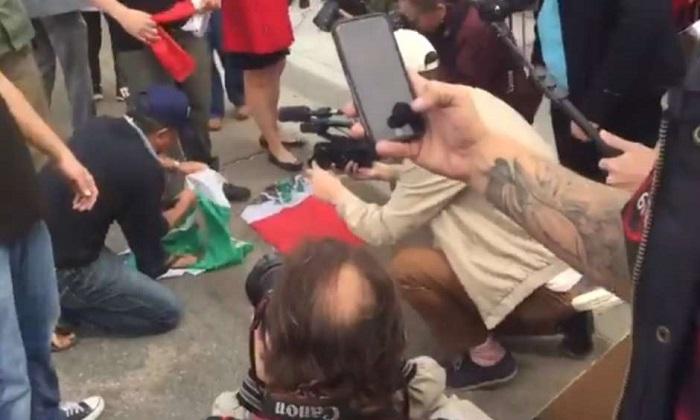 """""""JÓDANSE MEXICANOS…"""", GRITAN SIMPATIZANTES DE TRUMP, EN SU VIAJE A FRONTERA CON TIJUANA"""