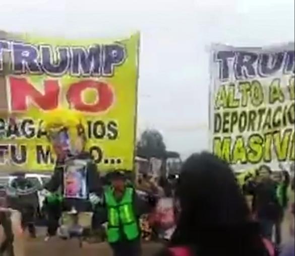 """""""NO AL MURO"""" GRITAN TIJUANENSES ANTE VISITA DE TRUMP"""