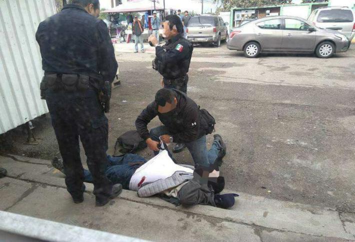 POLICIAS ABATEN A PRESUNTO ATRACADOR DE COMERCIO