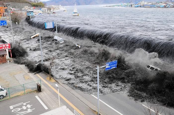 FUERTE SISMO EN OSAKA, JAPÓN EL DOMINGO.VIDEO.Van nueve muertos