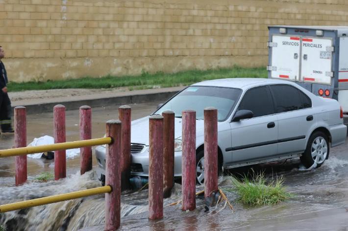 INTENSAS LLUVIAS EN SONORA.Muere mujer al ser arrastrada por corriente de agua