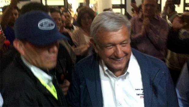 LLEGA ANDRÉS MANUEL LÓPEZ OBRADOR A TIJUANA. Ya como Presidente Electo de México