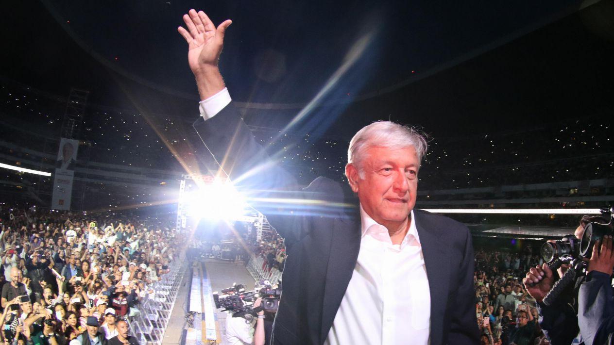 DIA 1: NUEVO RUMBO PARA MÉXICO.Andrés Manuel López Obrador consigue este sábado lo que por 18 años buscó.