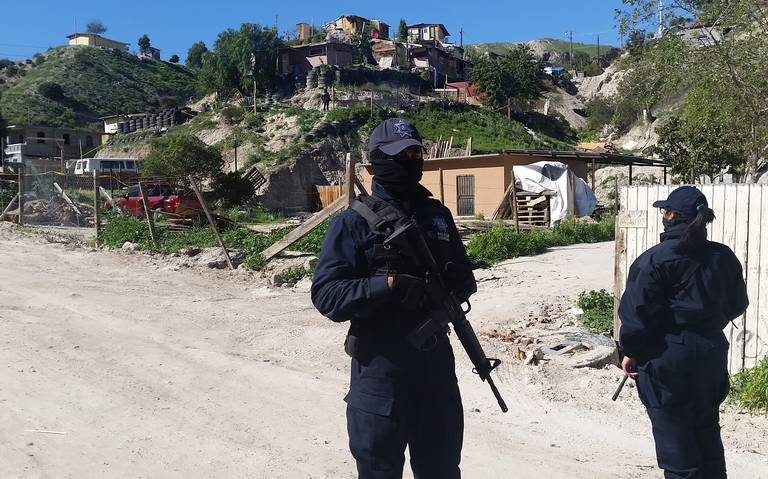 TIROTEAN  A DOS EN LA 3 DE OCTUBRE,UNO MUERE.Reporte de asesinatos el martes y miércoles en Tijuana