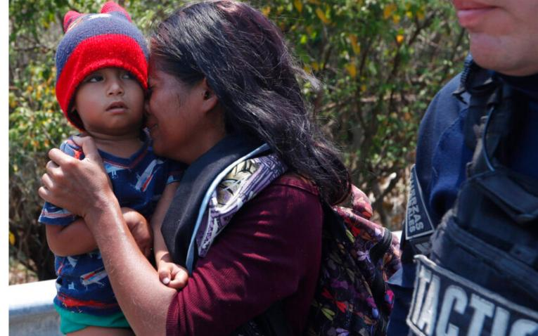 MÉXICO DEFIENDE SU POLÍTICA MIGRATORIA.Detuvo a casi 400 migrantes que iban a Estados Unidos