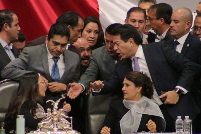 APRUEBAN DIPUTADOS FEDERALES  LEY DE INSTITUCIONES DE CRÉDITO