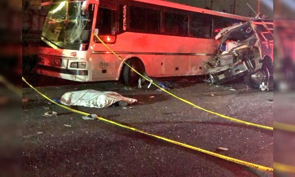 VAN 13 MUERTOS Y 25 HERIDOS EN ACCIDENTE ENTRE AUTOBUSES EN LA MEXICO-PACHUCA