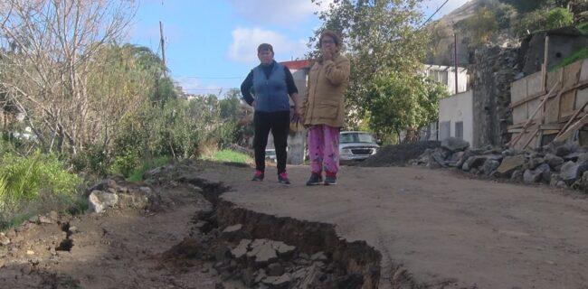DUERMEN 18 FAMILIAS EN CALLES DE ENSENADA, POR DESLIZAMIENTO DE TIERRA