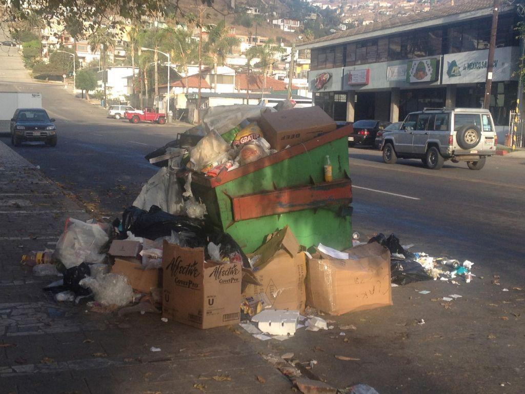 URGENTE  RESOLVER PROBLEMA DE BASURA EN ENSENADA: CANACINTRA
