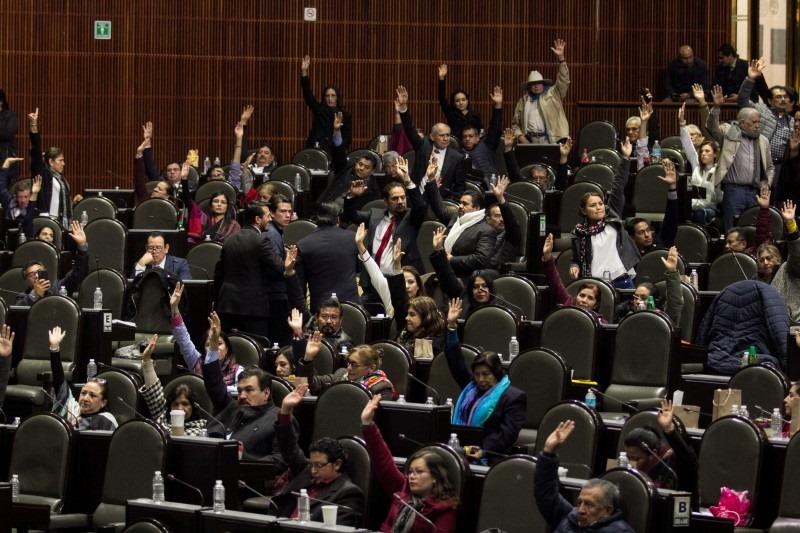 Oposición frena en San Lázaro reforma para reducir financiamiento a partidos