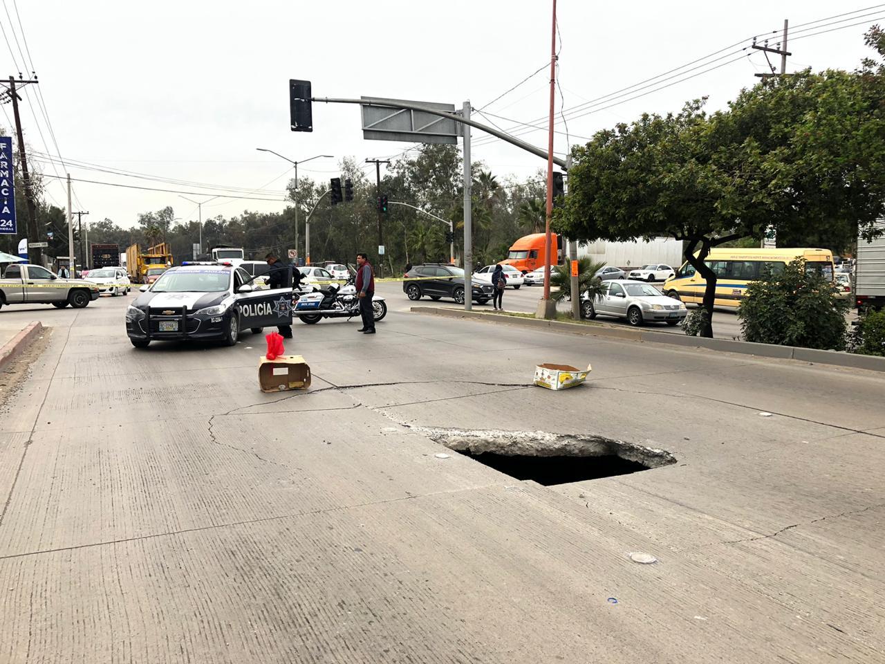 MÁS SOCAVONES EN LA CIUDAD.Municipio actua en Blvd. Limón Padilla