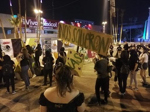 FEMINISTAS SE MANIFIESTAN EN TIJUANA Y MEXICALI. Llaman misógino a Bonilla