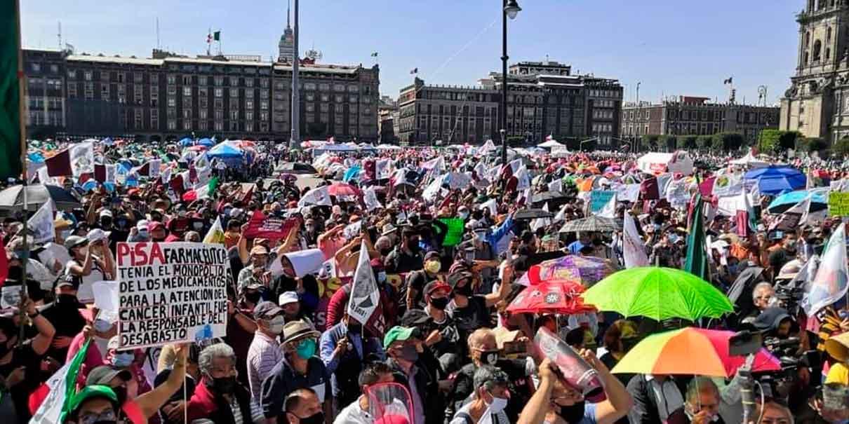 MARCHAN MÁS DE 5 MIL PERSONAS A FAVOR DE AMLO EN CIUDAD DE MÉXICO