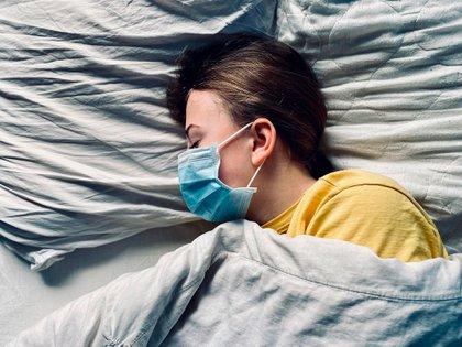 ¿Después de cuántos días una persona con COVID-19 deja de ser contagiosa?