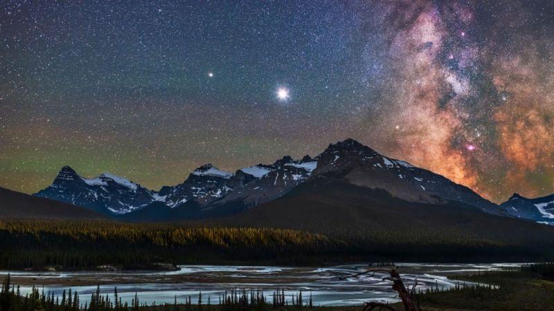 """""""EL BESO DE NAVIDAD""""; Júpiter y Saturno alineados  el 21 de diciembre"""