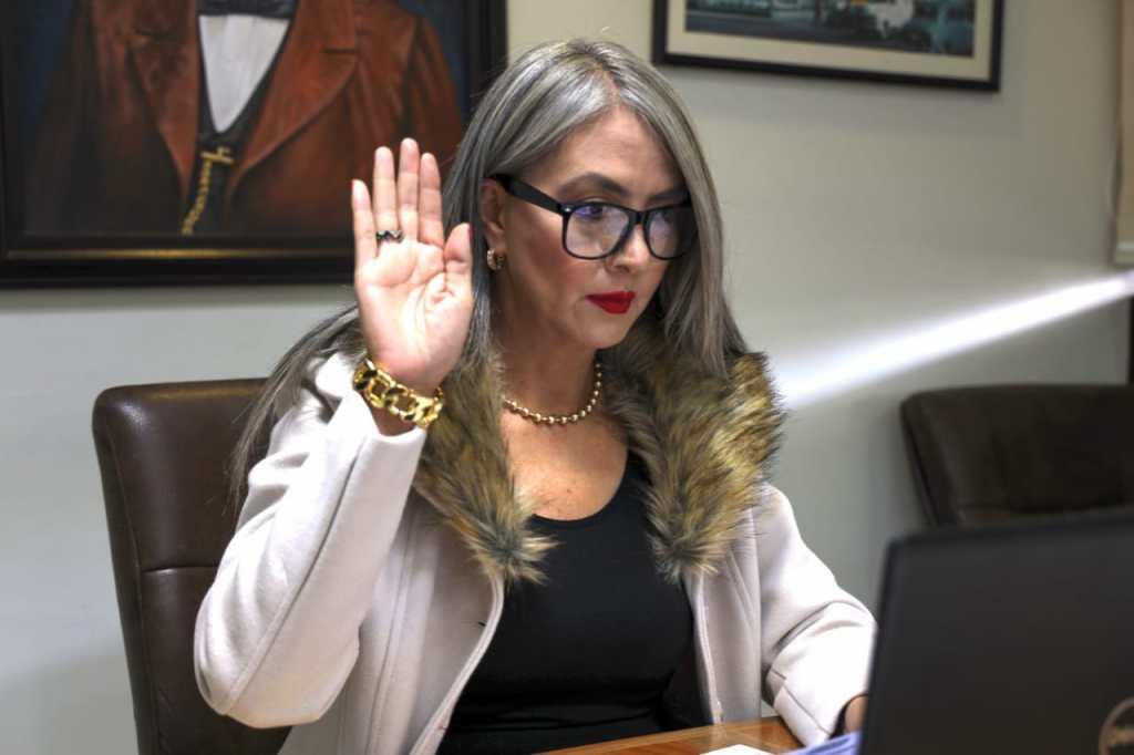DOS DENUNCIAS CONTRA SÍNDICA DE TIJUANA. Violencia de Género y falta de firma para comprar elevador