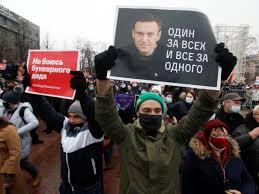 Marchas en Rusia dejan 4 mil 700 personas detenidas