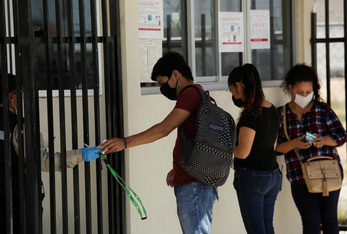 """""""GUIA COVID 19"""" PARA EMPRESAS Y TRABAJADORES EN CENTROS LABORALES"""
