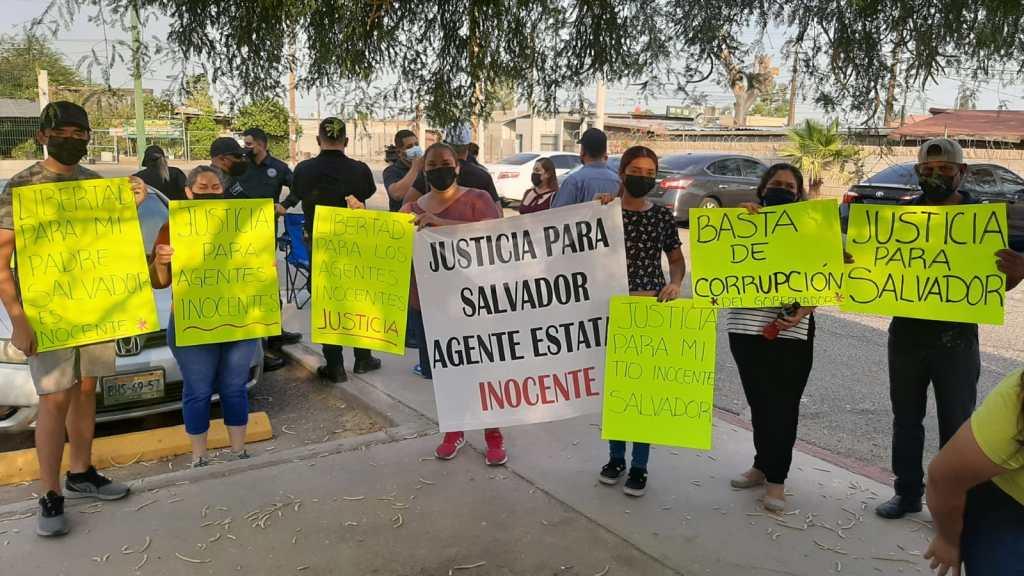EXIGEN FAMILIARES FISCALÍA  LIBERTAD PARA TRES AGENTES , ACUSADOS FALSAMENTE  DE SECUESTRO
