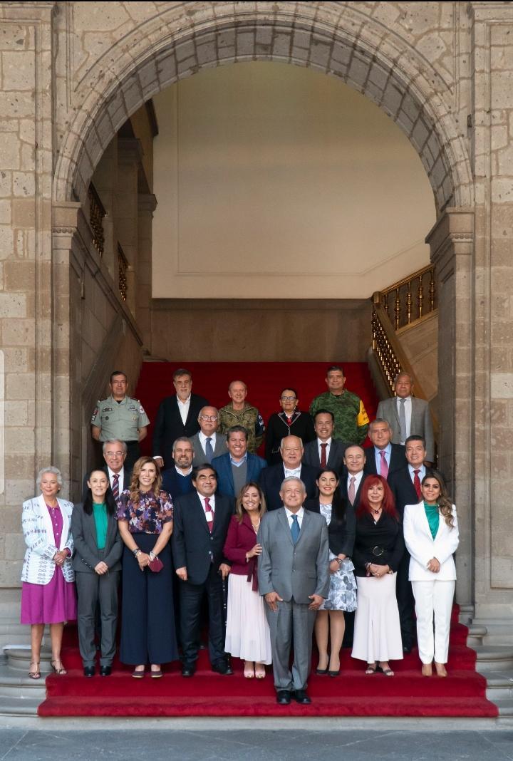 GOBERNADORA ELECTA, MARINA DEL PILAR, CON AMLO.Y otros mandatarios electos
