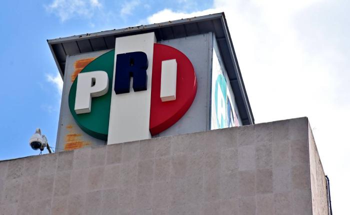 REFUNDACIÓN DEL PRI.Surge Corriente Crítica dentro del tricolor